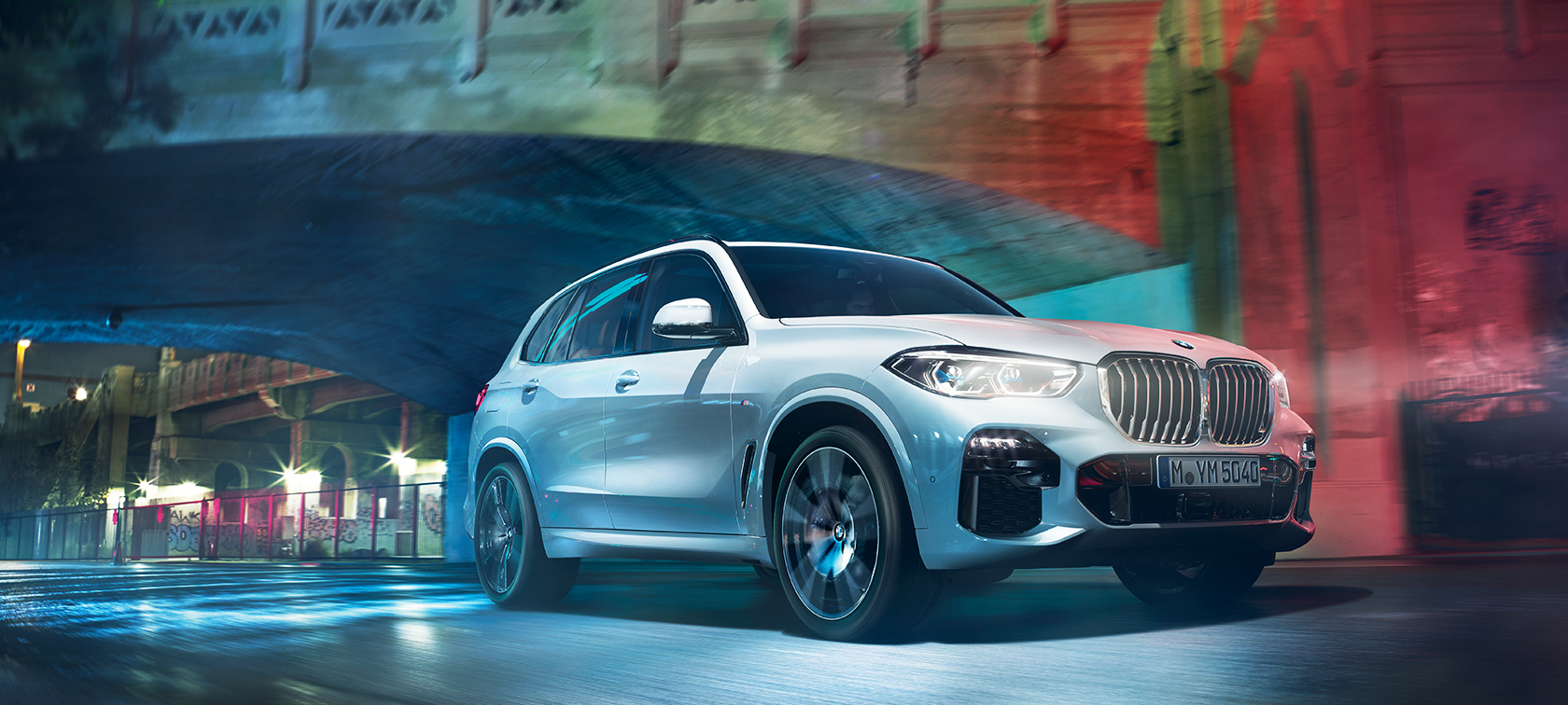 Nuova bmw x5 suv con bmw xdrive for Garage automobile bruges