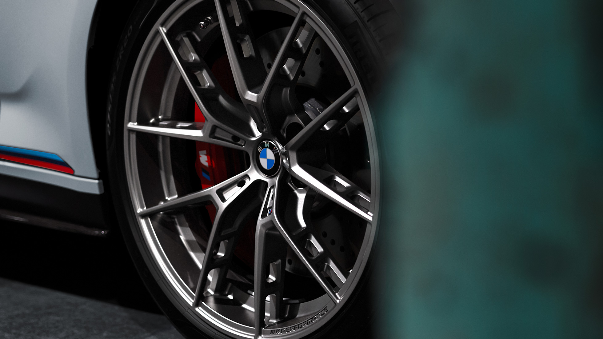 "Cerchio forgiato Accessori BMW M Performance da 20"" M styling a Y nº 863 M Ferric Grey opaco Primo piano"